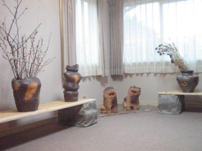春の陶店於ギャラリー「散歩路」の展示風景
