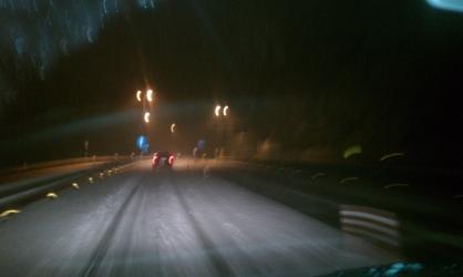 雪の湖西道路