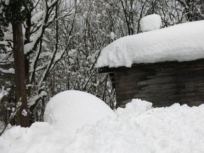 「雪の工房-b」